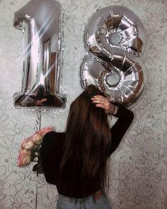 18th Birthday Party Themes, Happy Birthday 18th, Girl Birthday Decorations, Happy Birthday Images, Cute Birthday Pictures, Love Birthday Quotes, Birthday Photos, Girl Photography Poses, Creative Photography