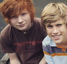 This is seriously the most adorable picture of Ed ever.(what I want to know is who is the gorgeous guy beside him! )