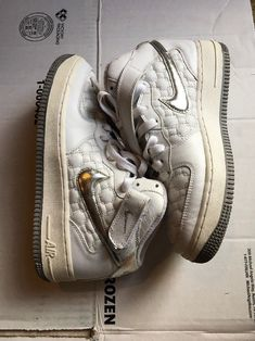 outlet store 28223 703fd Nike Air Force 1 White And Silver Size 7 Men s 8.5 Women s 308915-101
