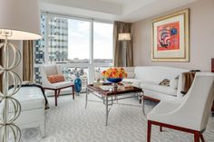 Manhattan High-Rise Living Room: Urban Style in Shades of Beige