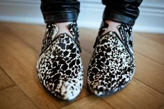 these shoes are amazing. I would live in them everyday. Crazy Shoes, Me Too Shoes, Men's Shoes, Shoe Boots, Fab Shoes, Leopard Print Shoes, Pumps, Heels, Shoe Collection