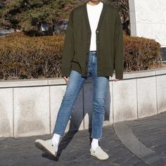 Winter Outfits Men, Stylish Mens Outfits, Classy Outfits, Casual Outfits, Foto Fashion, Kpop Fashion, Fashion Outfits, Fashion Tips, Style Masculin