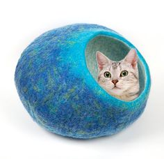 Cat Bed  / Cave / Cocon / House / Vessel - Hand Felted Wool - Handmade - Turquoise to Royal Blue - Bigger size