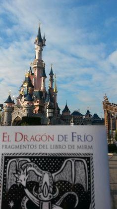 El Dragón de Frío viaja a Disneyland Paris. http://eldragondefrio.com/