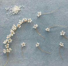 Bead Jewellery, Hair Jewelry, Bridal Jewelry, Beaded Crafts, Jewelry Crafts, Handmade Wire Jewelry, Beaded Jewelry Patterns, Hair Beads, Bridal Hair Pins
