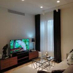 Reforma de piso - Barcelona. - Diseño y Decoración Casas Flat Screen, White Colors, Apartments, Flats, Modern Flooring, Lighting Design, Modern Design, Architects, Blood Plasma