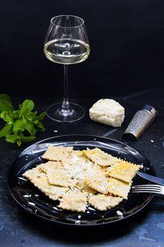 Homemade Ravioli with Haloumi Cheese – Σπιτικές Ραβιόλες με Χαλούμι και ένα Giveaway - The Healthy Cook