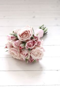 A small rose bouquet for the bride, either a single variety of rose or a couple different varieties My Flower, Pretty Flowers, Pretty In Pink, Pink Rose Bouquet, Pink Roses, Lavender Bouquet, Blush Roses, Wedding Bouquets, Wedding Flowers