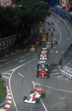 Monaco GP 1990, Ayrton Senna leads the race.