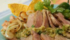 Filete de Cerdo con Comino y Salsa de Tomatillos y Cebolla