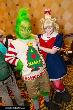 The Grinch and Cindy Lou Who. This would be a great halloween costume for chase . The Grinch and C Grinch Party, Grinch Halloween, Grinch Christmas Party, Family Halloween, Christmas Ideas, Xmas Party, Halloween 2019, Grinch Who Stole Christmas, Tacky Christmas