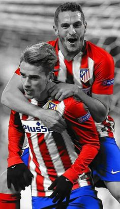The Rojiblanco Due of Koke and Griezmann French Soccer Players, Good Soccer Players, Football Players, Madrid Football Club, Football Soccer, Antoine Griezmann, Messi, Fifa 17, Most Popular Sports