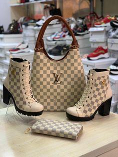 Pretty Shoes, Cute Shoes, Fashion Handbags, Fashion Bags, Sneakers Fashion, Fashion Shoes, Louis Vuitton Boots, Shoe Boots, Shoes Heels