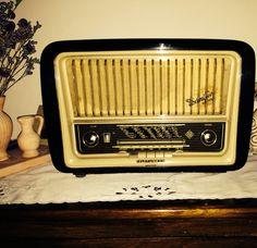 My Granny's radio from the 1957, still alive!