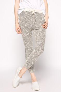 Review - Pantaloni Parachute Pants, Shopping, Fashion, Moda, Fashion Styles, Fashion Illustrations