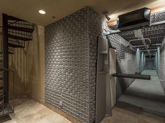 Guns And Home Security Indoor Shooting Range, Indoor Range, Reloading Room, Architecture Design, Hidden Rooms, D House, Secret Rooms, Best Interior Design, Bunker