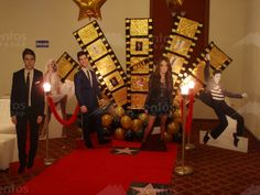 Thematic parties in Monterrey Red Carpet Theme, Red Carpet Party, Hollywood Sweet 16, Hollywood Party, Movie Themes, Party Themes, Movie Star Party, Homecoming Themes, Bollywood Theme