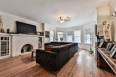 Chicago Apartments | Bowmanville | 2047 W FARRAGUT AVE #2 | Domu Chicago