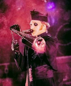 Cardinal copia and a thumble Ghost Papa, Ghost Bc, Doom Metal Bands, Band Ghost, Ghost And Ghouls, Ghost Photos, The Shining, Ghost Stories, Ghost Towns
