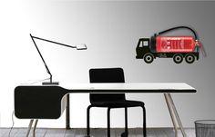 Mooi brandblusser behang aan de wand omdat een schuimblusser van dit type enkel verticaal aan de wand gehangen kan-mag worden. Niettemin wel een brandblusser foto waar je marketing technisch een hoop kanten mee op kunt.
