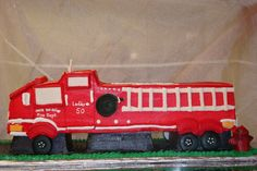 Train cake from http://www.thecasualgourmet.com/wedding-cakes/special-occasion-cake