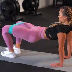 Resistance bands exercise You'll even see a noticeable change to your stomach in just 7 days… Fitness Workouts, Gym Workout Videos, Gym Workout For Beginners, Fitness Workout For Women, Butt Workout, At Home Workouts, Band Workouts, Exercise Bands, Resistance Workout