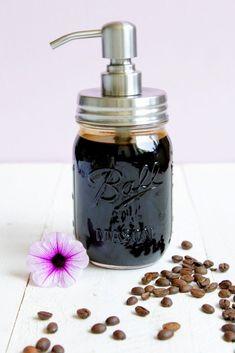 Hallo Ihr Lieben ❤️ Let´s coffee ! Ich bin verliebt Ich habe mein schwarzes Gold gefunden Kaffee Sirup, so unsagbar lecker! Ich hätte nicht gedacht, dass das Ergebnis so sensationell ist. Ich g…