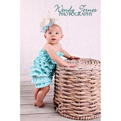 Rompers are perfect for outdoor shoots with little ones! These one size fits most baby rompers are perfect for all shoots! Each has great texture for lovely baby pictures each and every time. They conveniently come in many colors.