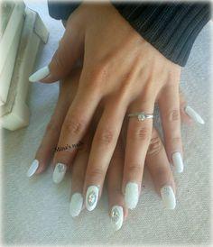 Anna's white nails perfect!!!!