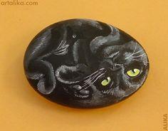 painted rocks: black curled cat  by Alika