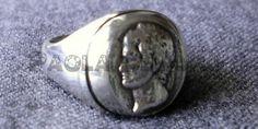 Anello in argento con testa di patrizio romano, realizzato con tecnica della cera persa, pezzo unico di Paola Demuro
