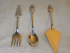 international silver company flatwares cake pie server christmas theme #InternationalSilver
