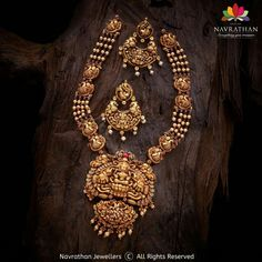 Gold Temple Jewellery, Gold Jewellery Design, Gold Jewelry, Antic Jewellery, Diamond Jewellery, Jewelery, Indian Gold Necklace Designs, Gold Ring Designs, Indian Wedding Jewelry