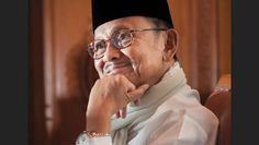 Mantan Presiden Indonesia ke-3, BJ Habibie. Sumber foto : Facebook The Habibie Center   Nasional, ...