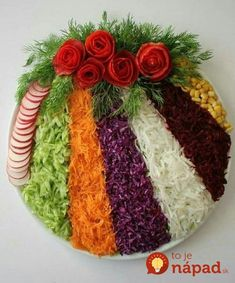 Cum sa decorezi salata de boeuf anul acesta – Idei spectaculoase Check more at w… How to Decorate Beef Salad This Year – Spectacular Ideas Check more at www. Party Food Platters, Veggie Platters, Veggie Tray, Veggie Food, Fruit Decorations, Food Decoration, Deco Fruit, Meat Trays, Fruit Trays