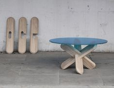 DIY table! similar joint here: http://www.designboom.com/weblog/cat/8/view/13262/ding3000-join-cutlery.html