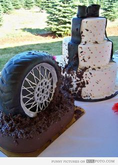 Muddy wheel cake.  I could do this for Dean's birthday. :)