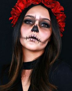 18 Ideas For a Sublime Makeup That Will Earn You The Title of Queen of The Party 3 Beautiful Halloween Makeup, Halloween Makeup Looks, Dead Makeup, Skull Makeup, Sugar Skull Halloween, Sugar Skull Costume, Costume Makeup, Makeup Inspiration, Hair Beauty
