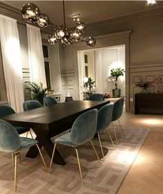 Today we are going to show you some of the most dazzling blue dining room designs along with some basic design tips that will help you define your own dining room style. Just keep scrolling and fall in love with these mesmerizing modern dining room ideas. Decor, Interior Design Living Room, Dining Room Inspiration, Dining Room Furnishings, Rugs In Living Room, Dining Room Blue, Home Decor, House Interior, Modern Dining Room