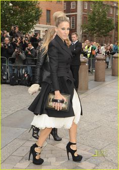 Sarah Jessica Parker. And her killer outfit.