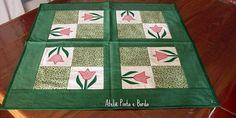 toalha-de-mesa-tulipa