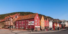 Explore the old wooden alleyways, visit the colorful fish market and take the Føibanen Funicular to enjoy the spectacular view over the city between the seven mountains.
