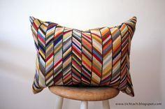 tichtach - en kreativ logbog: Det er kunst for mig Cross Stitch Pillow, Cross Stitch Art, Cross Stitch Designs, Cross Stitch Embroidery, Hand Embroidery, Crochet Cushions, Crochet Pillow, Bargello Patterns, Punch Needle Patterns
