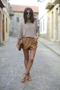 skirt: Bershka  bag: SU-SHI top: Bershka  sandals: Jessica Simpson  bracelets: Lowlita & You + Maramz sunglasses: Ray ban clubmaster – Ópticas Peláez