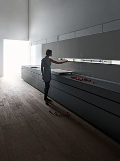 Valcucine new logica system New Kitchen, Kitchen Decor, Kitchen Design, Kitchen Ideas, Kitchen Cabinets Sliding Doors, Home Room Design, Black Kitchens, House Rooms, Architecture