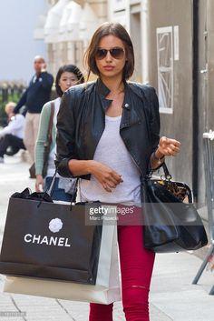 News Photo : Supermodel Irina Shayk is seen strolling on...