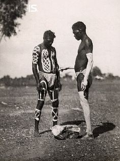 there is something beautiful in the almost uncaring posture of the two men. the symmetry of the the two painted men drew me to this photo, with the idea of one painted man in the process of painting the skin of another Aboriginal History, Aboriginal Culture, Aboriginal People, Aboriginal Art, Australian Aboriginals, Australian People, Indigenous Art, People Photography, Vintage Photographs
