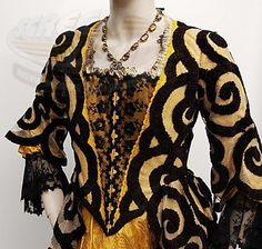 colleen atwood sleepy hollow | Sleepy Hollow / Lady Van Tassel's Dress. designed by Colleen Atwood ...