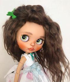 А вот и ещё один мой милейший ребенок готов😁😍девочка тоже выполнена на заказ☺️❤#blythe#ooakblythe#customblythe#instablythe#blythedoll#blythedress#кукла#моикуклы#doll#dolls#интерьернаякукла#блайз#ブライス#blythecustom#blythedolls#customdoll#artdoll#neoblythe#myblythedoll