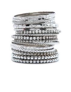 <3 me some bangles!